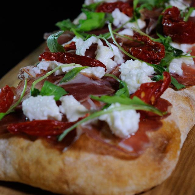 scrocchiarella-frozen-monoporzione-pomodori-secchi-bufala-capocollo-ricetta-caterline