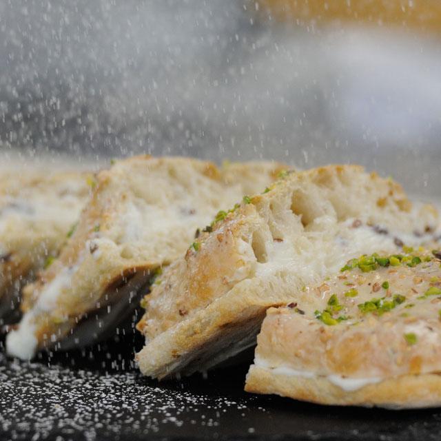 scrocchiarella-sandwich-cioccolato-pistacchi-ricetta-caterline